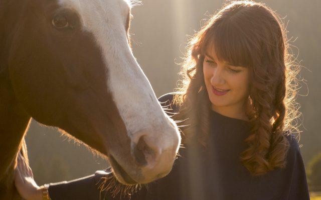 SOHO-Equestrian-Soho Video Standbilder-4